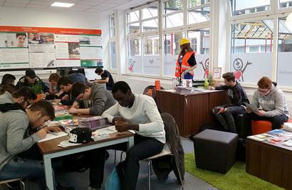 Schüler in der TC Duisburg