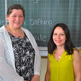 Beza Aikaterini (rechts) & Christiane Hetche (links) - Elternbeiratsvorsitzende (rechts), stellv. Elternbeirat (links)