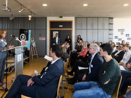 Eröffnung der Strahlemann Talent Company an der Bachschule in Offenbach: Veronika Scheider, Schulleiterin der Bachschule