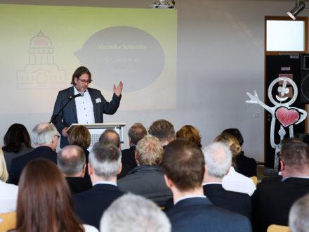 Strahlemann Talent Company - Bachschule Offenbach: Der Stellvertretende Schulleiter der Bachschule Kai Maas