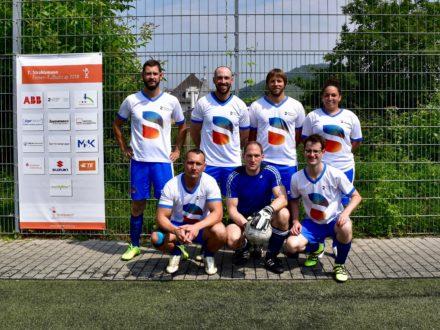 Das Team der Sirona Dental Services GmbH beim 7. Strahlemann Firmen-Fußballcup 2018