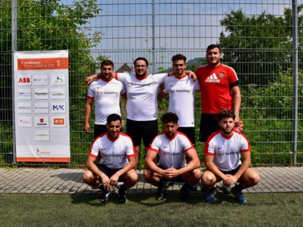 Das LY Holding Team beim 7. Strahlemann Firmen-Fußballcup