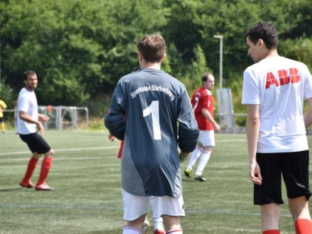 Kicken für den guten Zweck - 7. Strahlemann Firmen-Fußballcup 2018
