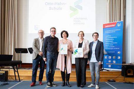 Rezertifizierung des Berufswahlsiegels für die Otto-Hahn-Schule in Hamburg