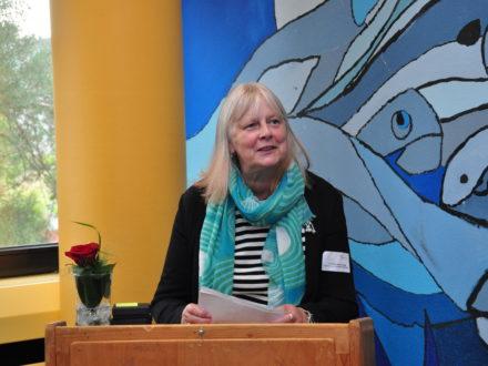 Frau Anna Maria Brühl von der Schulaufsicht Trier hält eine Rede anlässlich der Eröffnung der 31. Talent Company an der Realschule plus Kusel