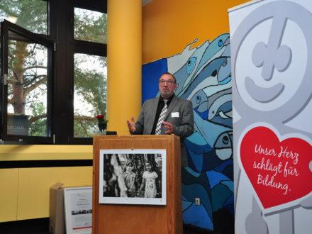 Schirmherr Landrat Otto Rubly bei der Eröffnung der 31. Talent Company an der Realschule plus Kusel