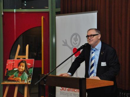 Franz Josef Fischer bei der Eröffnung der 33. Talent Company an der Kopernikus Realschule in Bad Mergentheim