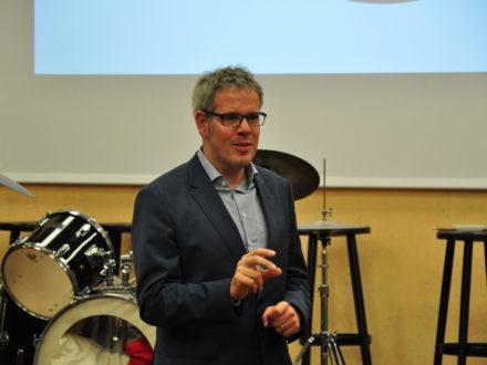 Landrat Christian Engelhardt hält eine Rede anlässlich der Eröffnung der Talent Company an der MPS Gadernheim