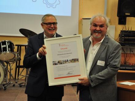 Franz-Josef Fischer und Schulleiter Alwin Zeiß