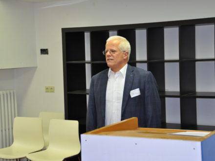Dieter Mießen Prokurist bei Frisch & Faust Tiefbau GmbH hält eine Rede anlässlich der Eröffnung der Talent Company