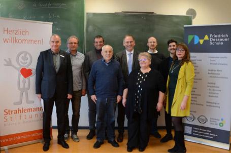 Brücke zwischen Schule und regionalen Ausbildungsbetrieben – eine Strahlemann® Talent Company entsteht an der Friedrich-Dessauer-Schule in Limburg