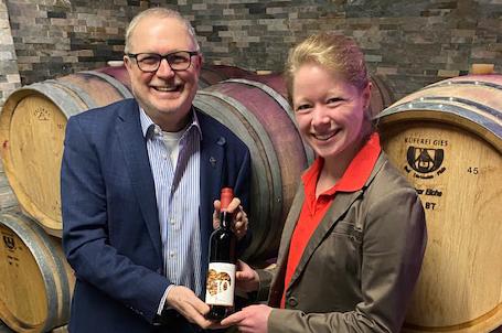 Der neue Strahlemann-Jubiläumswein von Weingut Freiberger