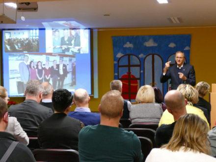 Herr Krieger bei seiner Ansprache beim 5-jährigen Jubiläum