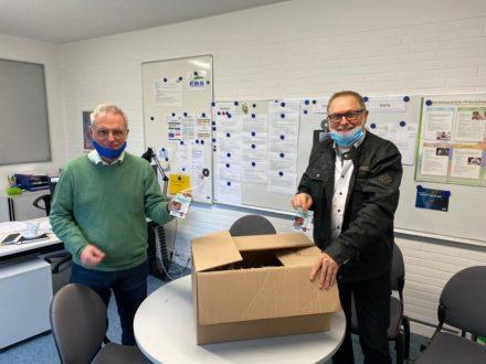 Übergabe der Maskenhalter an die Eugen-Bachmann-Schule in Wald-Michelbach