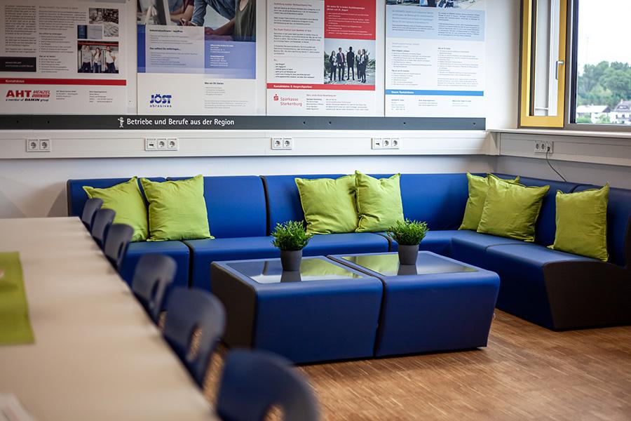 Lounge-Ecke der Talent Company an der EBS Wald-Michelbach