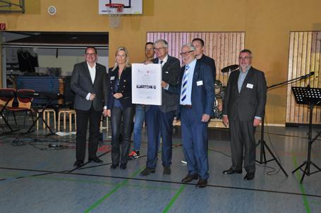 Eröffnung der Talent Company in der Gesamtschule Essen Nord Übergabe Urkunde